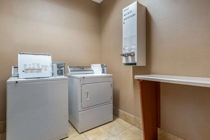 Guest laundry facilities   Comfort Suites Airport