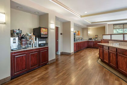 Breakfast area | Comfort Suites Biloxi - Ocean Springs