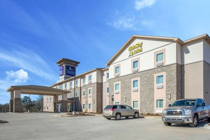 Hotel near popular attractions | Mainstay Suites Meridian