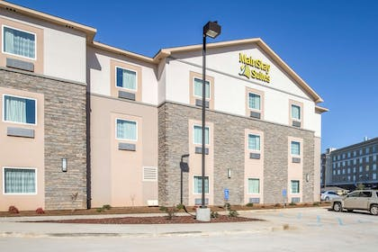 Hotel exterior | Mainstay Suites Meridian