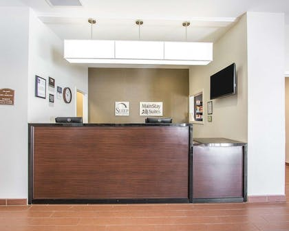 Front desk with friendly staff | Mainstay Suites Meridian