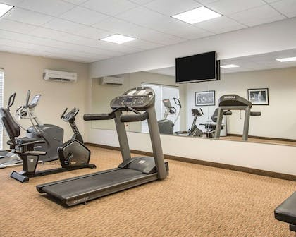 Fitness center | Mainstay Suites Meridian