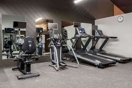 Fitness center | Copper King Convention Center, Ascend Hotel Collection