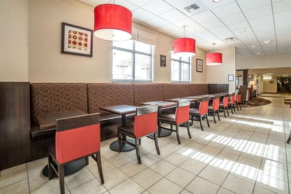Enjoy breakfast in this seating area | Comfort Inn Gateway to Glacier