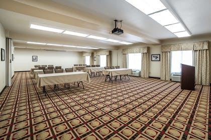 Meeting room | Comfort Inn Gateway to Glacier