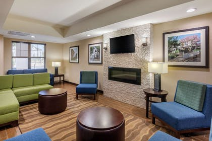 Lobby with sitting area | Comfort Suites Hanes Mall