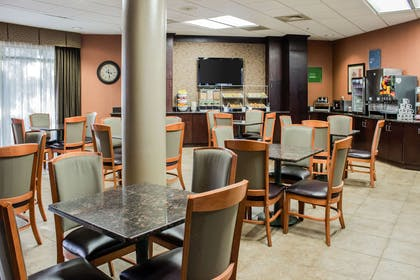 Breakfast area | Comfort Suites Raleigh Durham Airport/Research Triangle Park