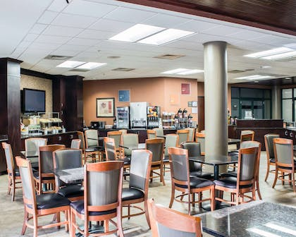 Free breakfast | Comfort Suites Raleigh Durham Airport/Research Triangle Park