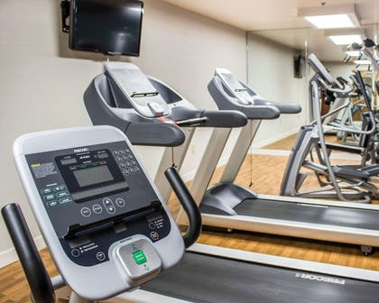 Fitness center with television   Comfort Suites Regency Park