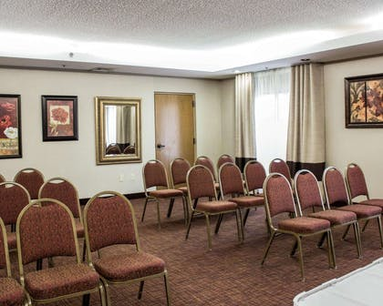 Meeting room with theater-style setup   Comfort Suites Regency Park