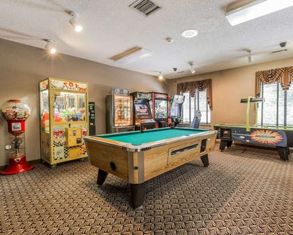 Game room | Comfort Suites Boone - University Area