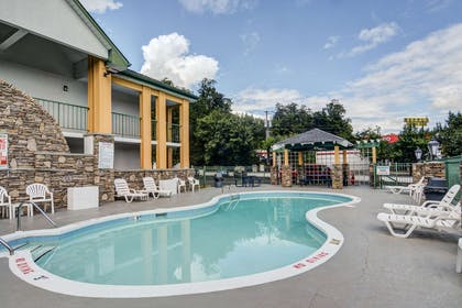 Relax by the pool   Quality Inn & Suites Biltmore East