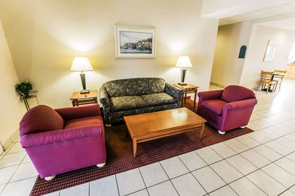 Spacious lobby with sitting area | Mainstay Suites Wilmington