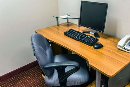 Business center | Mainstay Suites Wilmington