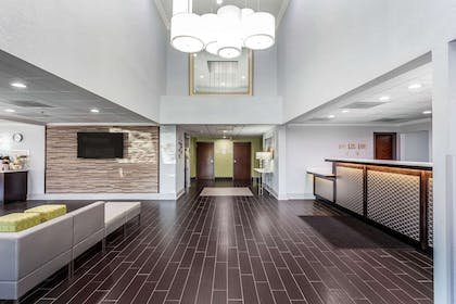Hotel lobby   Quality Suites Pineville - Charlotte