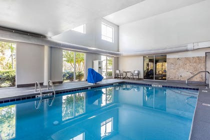 Indoor heated pool   Quality Suites Pineville - Charlotte
