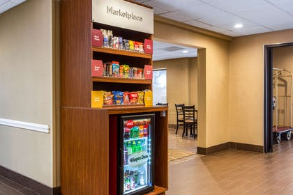Spacious lobby   Comfort Suites Wilmington near Downtown