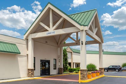 Hotel exterior   Quality Inn & Suites Hanes Mall