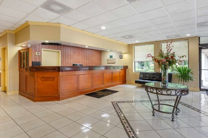 Front desk   Quality Inn & Suites Hanes Mall