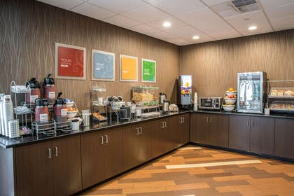 Breakfast counter | Comfort Suites New Bern near Cherry Point
