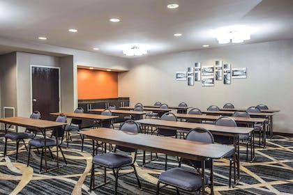 Large space for receptions, parties, anniversaries and business meetings | Comfort Inn & Suites Kannapolis - Concord