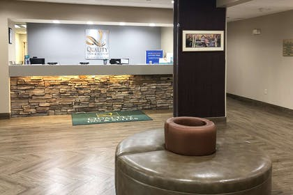 Hotel lobby | Quality Inn & Suites University