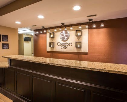 Front desk with friendly staff | Comfort Inn Biltmore West
