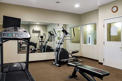 Exercise room | Mainstay Suites Fargo
