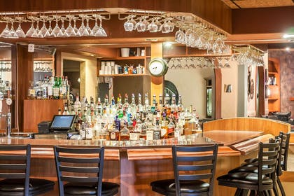 Hotel bar | Sleep Inn & Suites Conference Center and Water Park