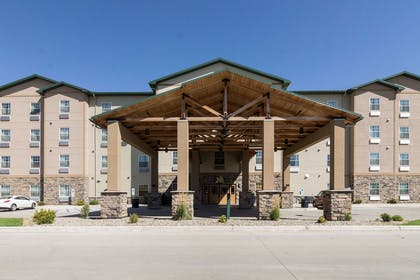 Hotel exterior | Mainstay Suites