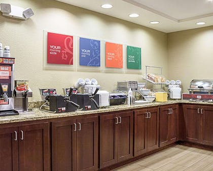 Breakfast counter | Comfort Suites Minot