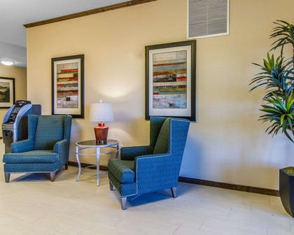 Hotel lobby | MainStay Suites Event Center