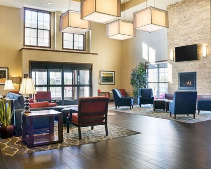 Spacious lobby | Comfort Suites Medical Center