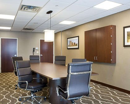 Meeting room | Comfort Suites Medical Center