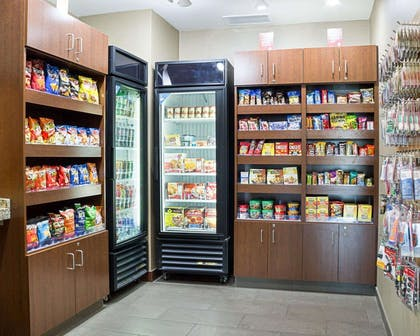 Hotel convenience store | Comfort Suites Medical Center