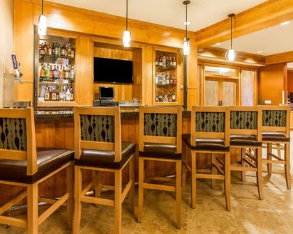 Hotel bar | MainStay Suites Stanley