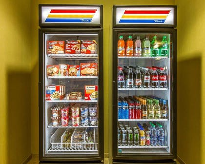 Hotel vending areas | MainStay Suites Stanley