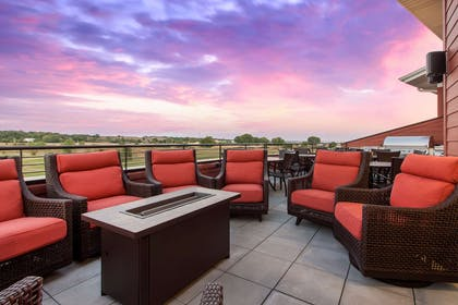 Hotel terrace | Norfolk Lodge & Suites, an Ascend Hotel Collection Member