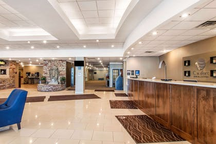 Spacious lobby with sitting area | Comfort Inn & Suites Omaha Central