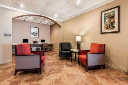 Business center | Comfort Inn & Suites Omaha Central