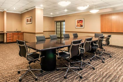 Meeting room | Comfort Inn & Suites Omaha Central