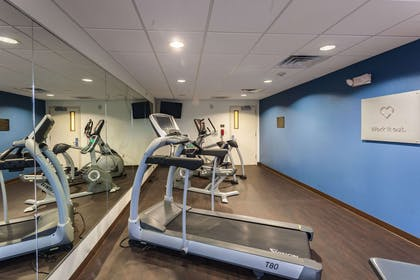 Fitness center | Comfort Suites East