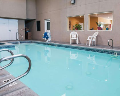 Indoor heated pool with hot tub | Econo Lodge Old Town