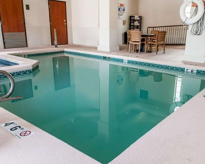 Indoor pool | Comfort Inn - Midtown