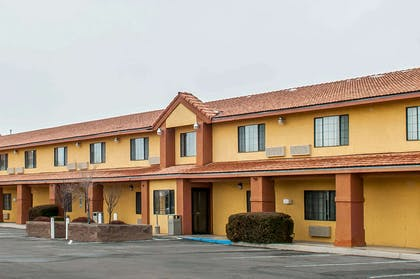 Hotel Exterior | Quality Inn & Suites Grants