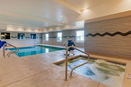 Indoor pool with hot tub | Comfort Suites Las Cruces I - 25 North