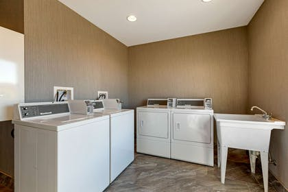 Guest laundry facilities | Comfort Suites Las Cruces I - 25 North