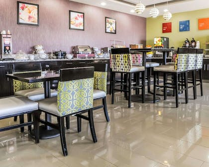 Breakfast room | Comfort Inn & Suites Artesia
