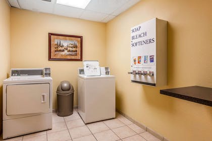 Guest laundry facilities | Comfort Inn & Suites Airport
