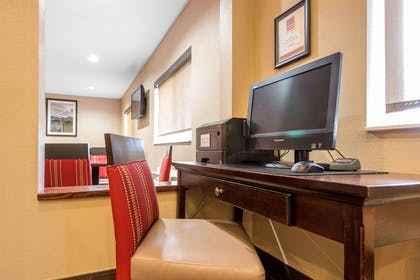 Computer in the lobby | Comfort Suites